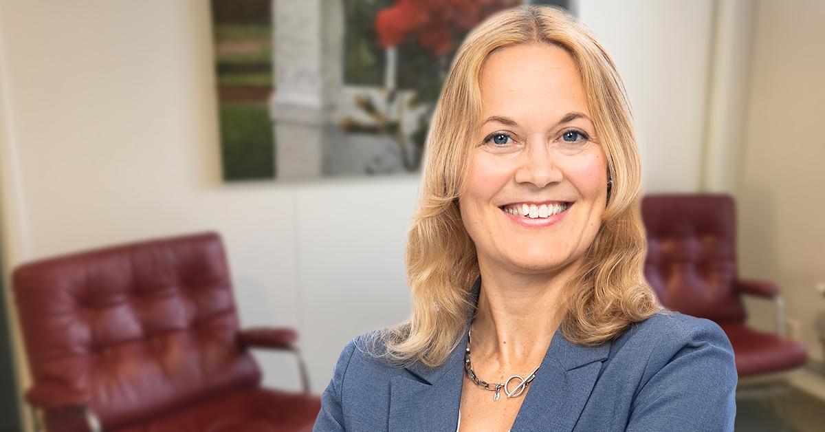 """""""För att få en god psykosocial arbetsmiljö ska arbetsgivaren undersöka och förebygga risker inom tre områden."""" skriver Anna Schönfelder, HR-expert på Tholin & Larsson."""