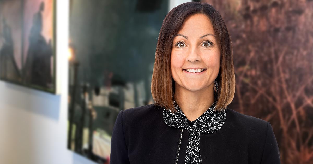 """""""Den anställde får inte själv bestämma att de betalda semesterdagarna inte ska tas ut i ledighet för att istället betalas ut i pengar."""" skriver Mirja Lenes, löne- och HR-expert hos Tholin & Larsson."""