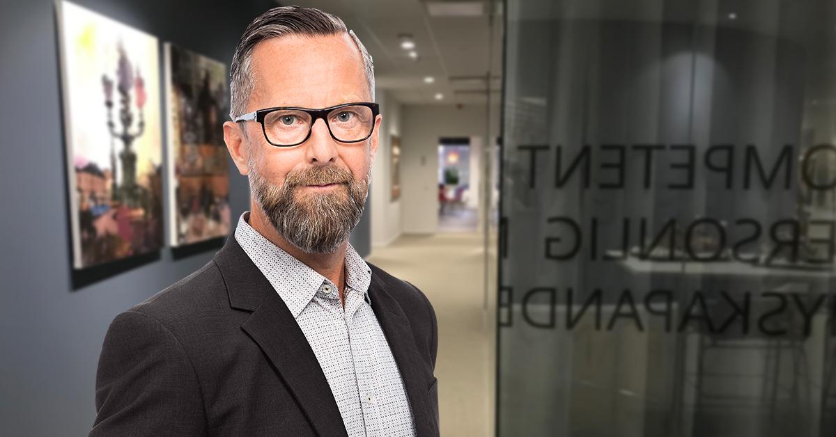 Hur länge ska man behöva vänta på att få tillbaka skattepengarna när fel lön betalats ut? Lennart Salomonsson, skatteexpert hos Tholin & Larsson, tittar närmare på frågan.