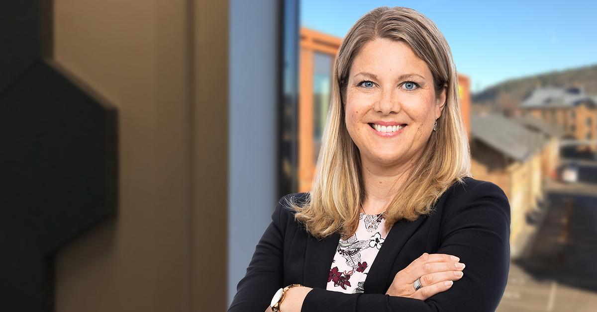 """""""Ett gott bemötande som gör att kandidaten känner sig trygg, accepterad och respekterad ger en effektiv intervju."""" skriver Victoria Ödlund, HR-expert hos Tholin & Larsson."""